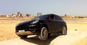 Porsche Cayenne Turbo (First Test 2012)