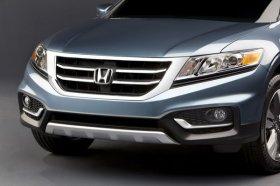 Honda представила обновленную и подешевевшую модель Crosstour.